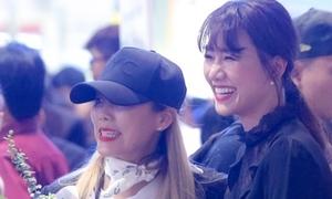 Hari Won đón 'báu vật Hàn Quốc' Kim Sohyang đến Việt Nam
