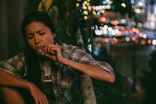 Hoa hậu giang hồ Minh Tú trong phim.