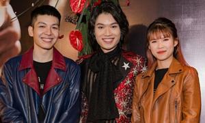 Dàn sao Việt chúc mừng Quang Trung lấn sân ca hát