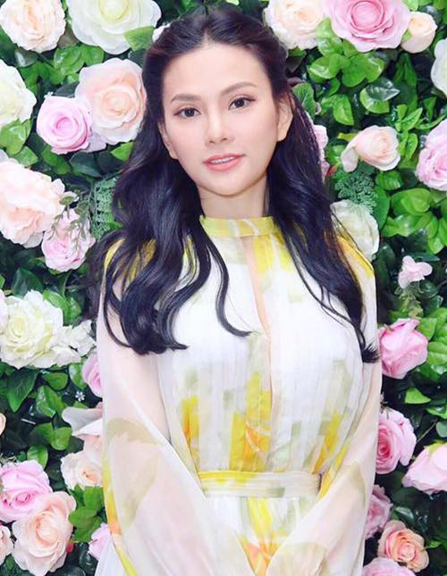 Năm 2016, Thu Thủy xuất hiện trong một sự kiện với dung mạo khác lạ. Nhiều người chú ý đến đôi mắt của nữ ca sĩ với hai mí rõ rệt hơn trước.