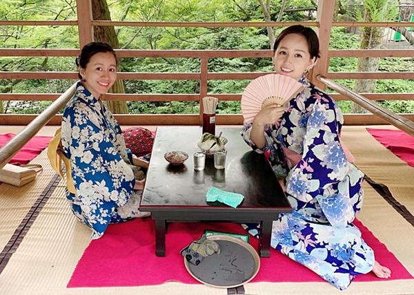 Mai Phương Thúy duyên dáng trong bộ kimono.