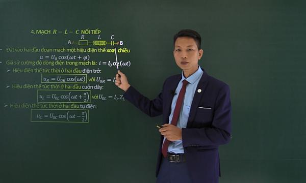 Thầy Nguyễn Ngọc Hưng, giáo viên bộ môn Vật lý. Ảnh: NVCC