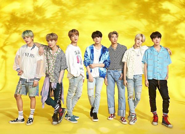 ...và BTS vào top 10 những nghệ sĩ có doanh thu album cao nhất tại Nhật Bản trong 6 tháng đầu năm 2019.