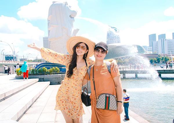 Hoàng Yến Chibi chúc mừng sinh nhật mẹ.