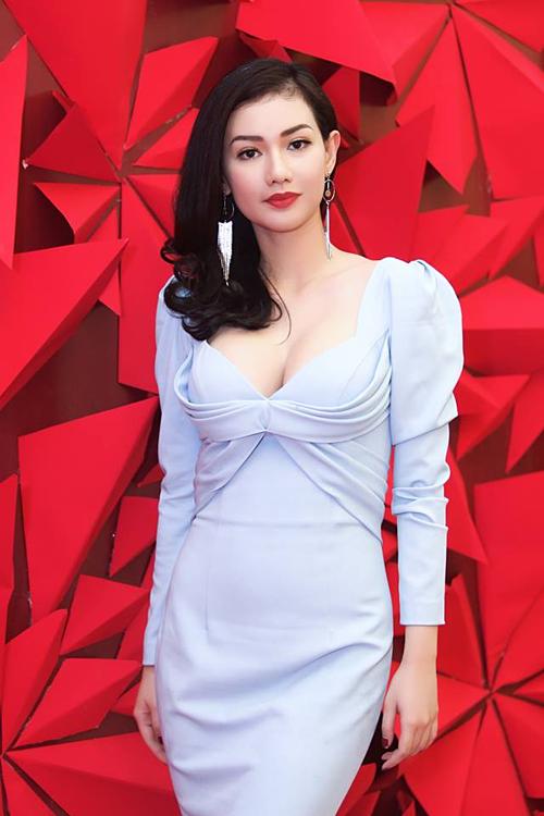 Sau khi ly hôn, Quỳnh Chi không giành được quyền nuôi con. Cô sống tại TP HCM còn con trai ở Mỹ cùng bố. Hiện tại, cô là gương mặt MC quen thuộc trên sóng truyền hình, sự kiện. Bên cạnh đó, Quỳnh Chi cũng tham gia nhiều phim điện ảnh với tham vọng trở thành diễn viên chuyên nghiệp.
