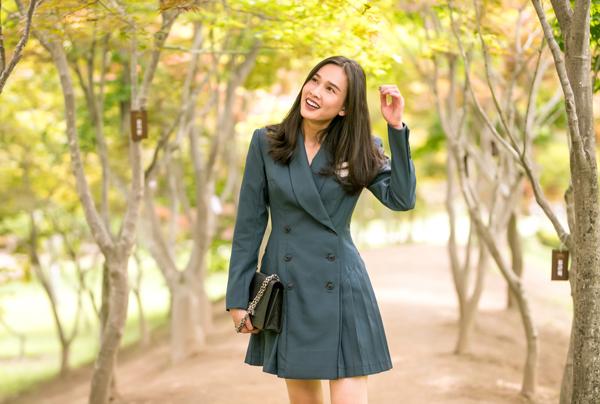 Hoa hậu Dương Mỹ Linh hiện sống tại Mỹ. Cô chỉ thỉnh thoảng về thăm Việt Nam, gặp gỡ bạn bè thân thiết.