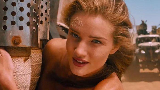 <p> Rosie Huntington-Whiteley sau đó có thêm vai phụ trong bom tấn <em>Mad Max: Fury Road</em>nhưng vẫn không được đánh giá cao. Cô rút lui khỏi công việc diễn xuất và yên bề gia thất cùng tài tử người AnhJason Statham.</p>