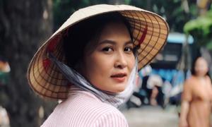 Nhan sắc người phụ nữ khiến ông Sơn 'say nắng' trong 'Về nhà đi con'