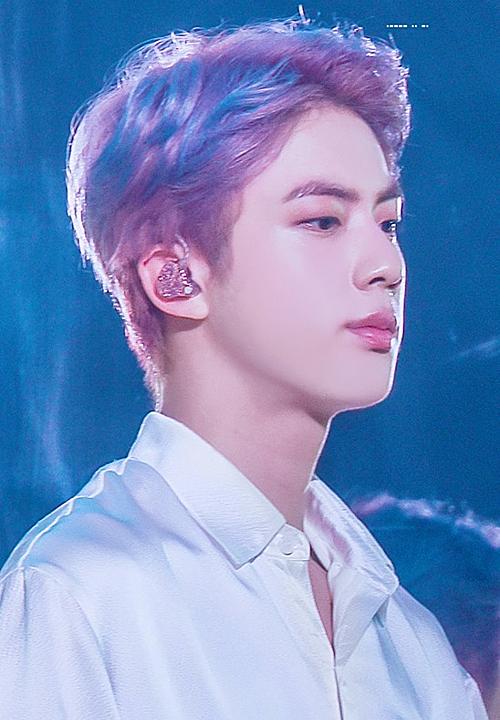 Jin (BTS) gây sốt khi để tóc lộ trán khoe đẳng cấp visual mỹ nam toàn cầu - 1