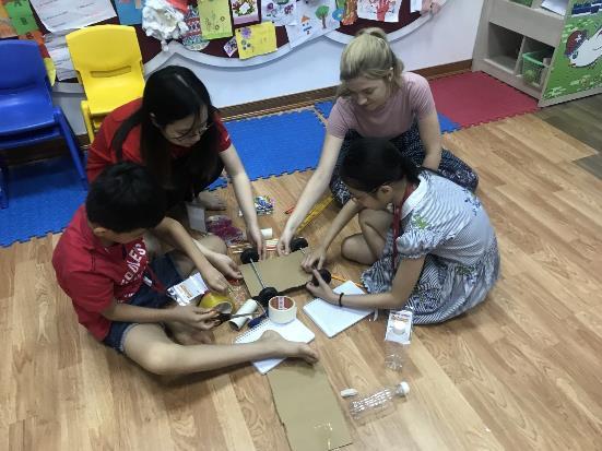 Các bạn nhỏ học cách phối hợp làm việc nhóm hiệu quả