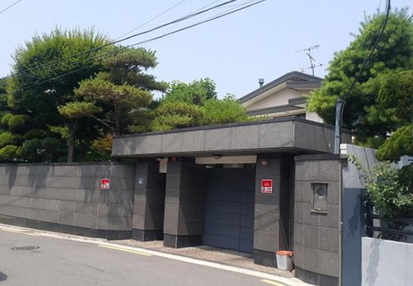 Ngôi nhà ở Itaewon của cặp vợ chồng.