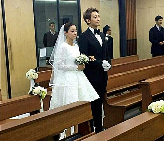 Bi Rain và Kim Tae Hee tổ chức đám cưới rất tiết kiệm.