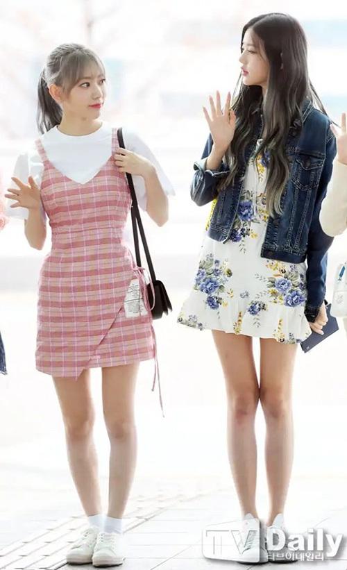 IZONE ra sân bay sang Đài Loan. Jang Won Young dìm hàng Sakura nhờ chiều cao vượt trội và đôi chân thon.