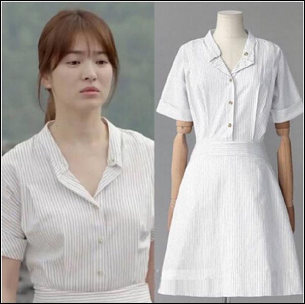 Hậu duệ Mặt trời là một trong những drama thành công nhất của Song Hye Kyo, giúp cô kết duyên với Song Joong Ki trước khi chính thức đường ai nấy đi. Rating cao vút của tác phẩm này một lần nữa biến nữ diễn viên thành người đi đầu trong hàng loạt xu hướng thời trang. Một trong những sản phẩm nhờ cô mà cháy hàng là váy kẻ kiểu y tá, giá chỉ 21.000 won (khoảng 400k).