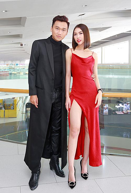 Thân thiết sau nhiều lần hợp tác chung trong các gameshow truyền hình, Tường Linh tiết lộ, nhà sản xuất, diễn viên Xuân Nghị chính là người mời cô tham gia 200K. Cả hai đều sinh ra và lớn lên tại Phú Yên, có nhiều điểm tương đồng về sở thích.