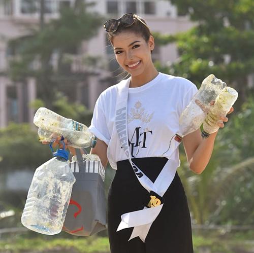 Drouin được kỳ vọng mang về cho Thái Lan chiếcvương miện Miss Universe thứ hai.Trước đó,Apasra Hongsakula là đại diện duy nhất của xứ chùa Vàng, đăng quang Hoa hậu Hoàn vũ 1965.