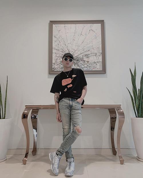 Soobin Hoàng Sơn điển trai vớistyle nam tính.