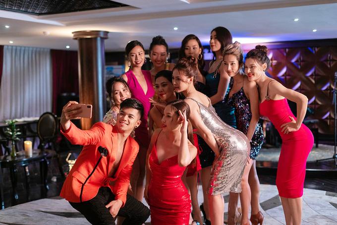 <p> Dù lớn lên ở nước ngoài, có phong cách khá Tây, trong MV này, Trọng Hiếu quyết định mời hoàn toàn các cô gái Việt.</p>