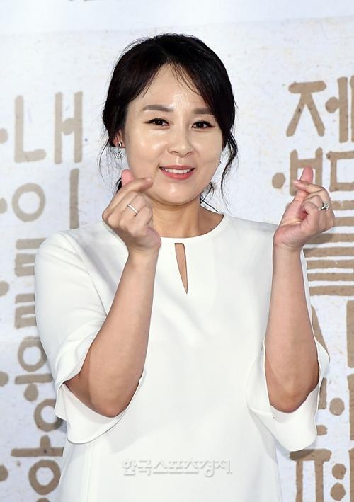 Jeon Mi Seon xuất hiện trước công chúng trong ngày 25/6.