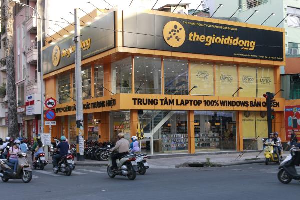 Trung tâm laptop mới khai trương của Thế Giới Di Động tọa lạc tại số 145 Nguyễn Thị Minh Khai, quận 1, TP HCM.