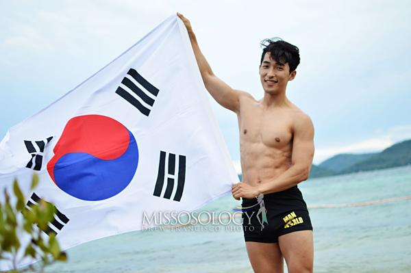 Đại diện Hàn Quốc sở hữu body cân đối song anh bị chê tạo dáng thiếu nam tính.