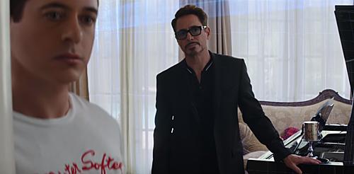 Đoạn phim cũ của Tony Stark/Iron Man xuất hiện trong Far From Home.
