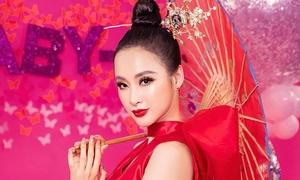 Angela Phương Trinh kiêu kỳ với style quý cô Nhật Bản