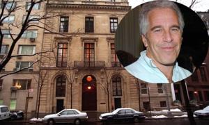 Tỷ phú Jeffrey Epstein giấu hàng triệu đô, kim cương và hộ chiếu giả trong nhà