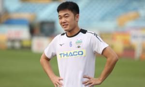 Xuân Trường vui vẻ chiều fan trước 'trận chiến' với Quang Hải, Văn Hậu