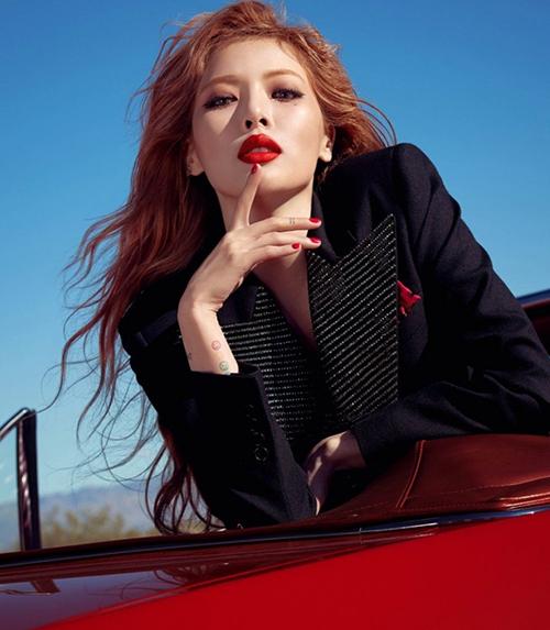Hyuna được xem là nữ hoàng sexy của Hàn Quốc. Cô không chỉ có body vạn người mê mà còn có thần thái ấn tượng, thu hút ánh nhìn.