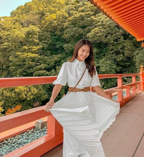 Khả Ngân tung tăng thăm thú Nhật Bản.