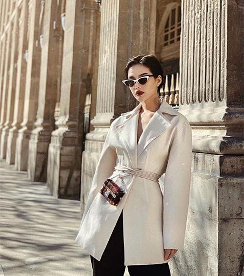 Khánh Linh nhanh tay tậu túi đeo cho vui cháy hàng toàn thế giới - 5