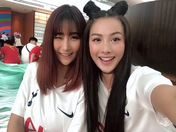 Yaya Trương Nhi phấn khích khi Tottenham giành chiến thắng chung cuộc với tỷ số 3-2 trước Juventus trong suốt 90 phút thi đấu.