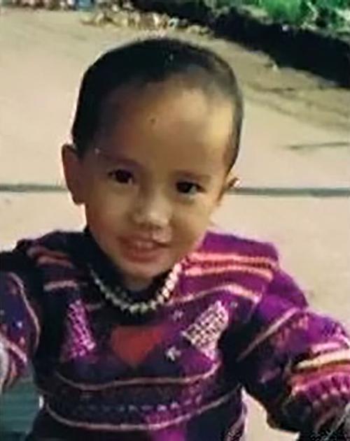 Bức ảnh ngày nhỏ của Yu Weifeng.