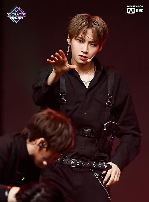 Nhiều người nghi ngờ việc Lee Jin Hyuk bị loại là do Mnet sắp xếp. Anh chàng vừa là đội trưởng, vừa là rapper chính nếu debut trong nhóm mới. Với kinh nghiệm sẵn có, Jin Hyuk sẽ hướng dẫn các thành viên còn ít kinh nghiệm hơn.