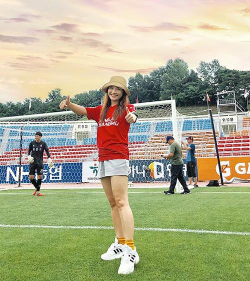 Bảo Thanh được mời tham dự trận đấu của một đội bóng Hàn Quốctừng do ông Park Hang-seo làm HLV trưởng.