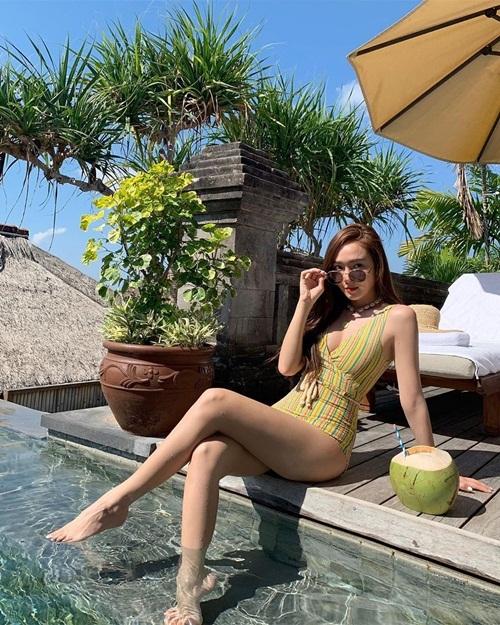 Jessica gây trầm trồ khi diện bikini khoe thân hình gọn gàng trong chuyến nghỉ dưỡng tại Bali.