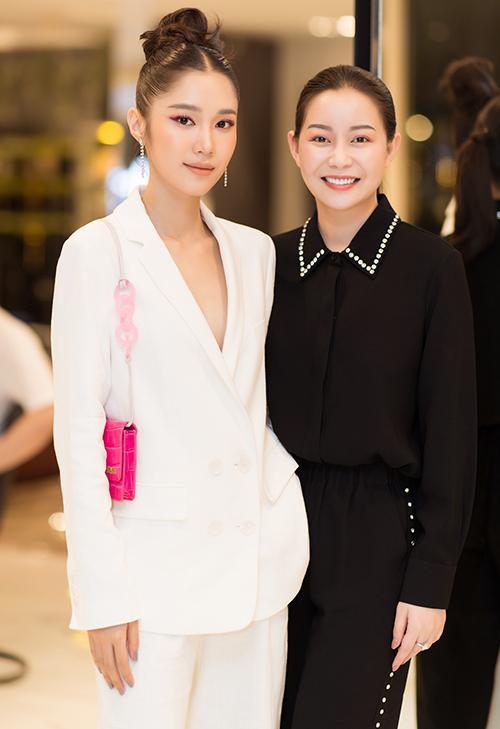Quỳnh Hương hội ngộ Hoa hậu Hải Dương.