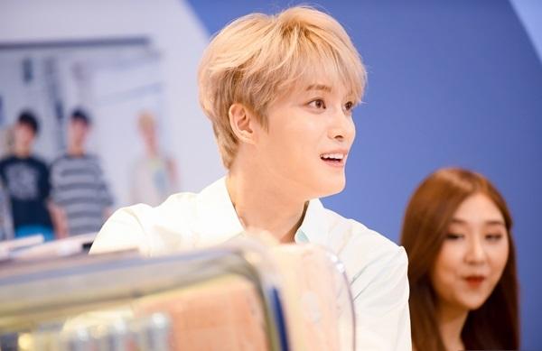 Tối 26/7, Kim Jae Joong sẽ có buổi ký tặng fan và biểu diễn trong đêm nhạc V Heartbeat tháng 9.