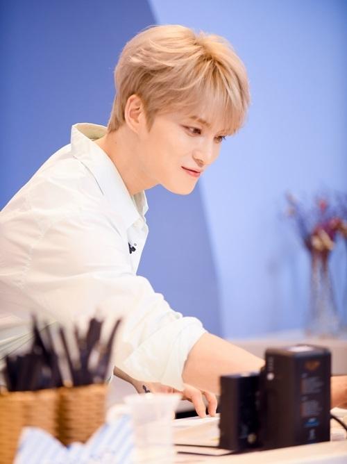 Dù Jae Joong có mở một quán cà phê mang tên J-Holic nhưng không phải fan Việt nào cũng có cơ hội được đến và thưởng thức nó, lại còn do chính tay anh pha chế. Cơ hội này thực sự là món quà ý nghĩa với người hâm mộ tại mảnh đất hình chữ S.