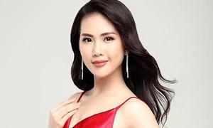 Siêu mẫu Quỳnh Hoa: 'Vào showbiz rất khổ'