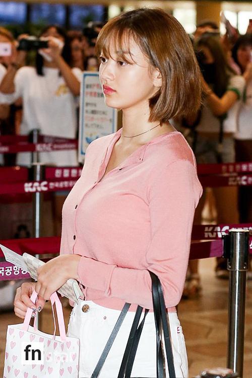 Twice lại tiếp tục lịch trình bận rộn, nhóm lên đường sang Nhật vào chiều 29/7.