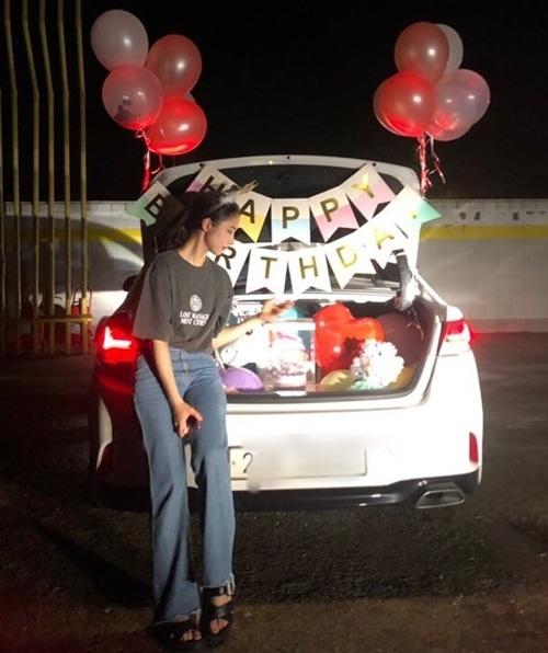 Shin Se Kyung đón sinh nhật tuổi 29 với nhiều món quà bất ngờ.