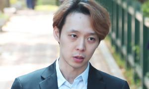 Park Yoo Chun bị tố 'đi đêm' với cảnh sát để thoát án hiếp dâm