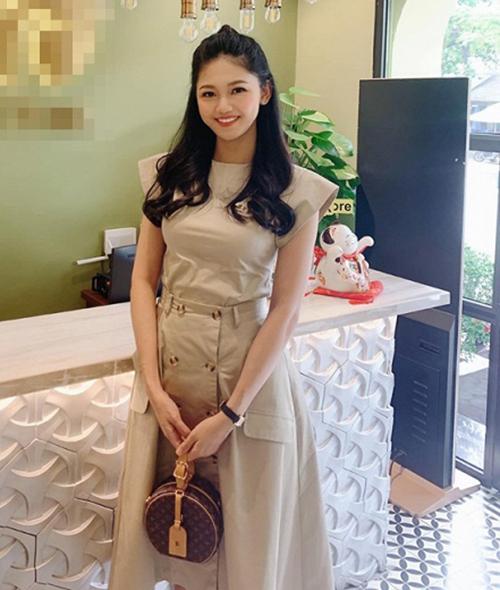 Chỉ một tháng sau sinh, Á hậu Thanh Tú đã lấy lại vóc dáng, nhan sắc.