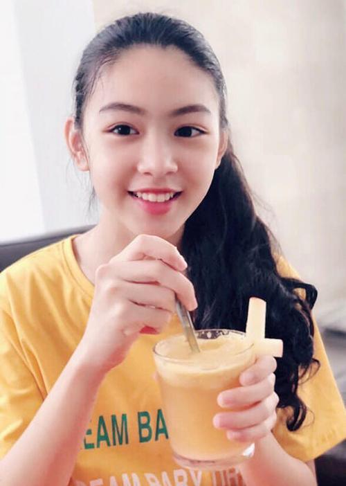 Vẻ đẹp nhẹ nhàng của Thảo Linh khiến nhiều người ví cô bạn với đại mỹ nhân Trương Bá Chi.