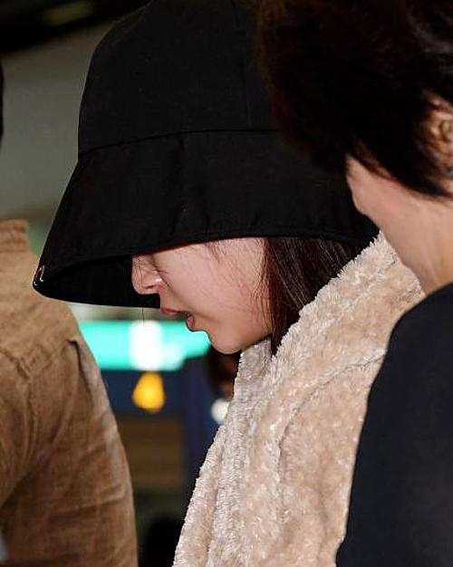 Fan đau lòng khi thấy Mina vẫn đangtrong tình trạng mệt mỏi, tiều tụy.