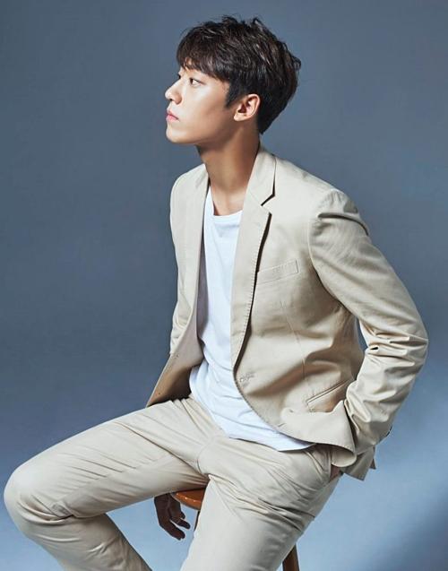 Là một diễn viên tân binh, Lee Do Hyun mới chỉ đóng vai phụ trong các phimPrison Playbook,Thirty But Seventeen, Clean With Passion For Now. Với vai diễn trong Hotel Del Luna, Lee Do Hyun sẽ có cơ hội được công chúng biết đến nhiều hơn.