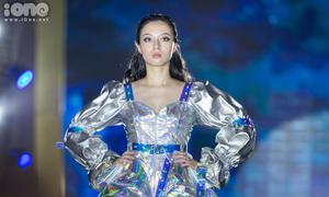 Khi học sinh Hà Nội - Ams thiết kế thời trang: Cũng 'không phải dạng vừa'