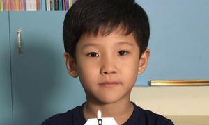 Cậu bé 7 tuổi nổi tiếng với hơn 100 video thí nghiệm khoa học